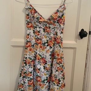 Cute white floral dress!!